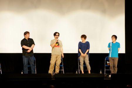 左から、川元さん、渡辺監督、信本さん、佐藤さん